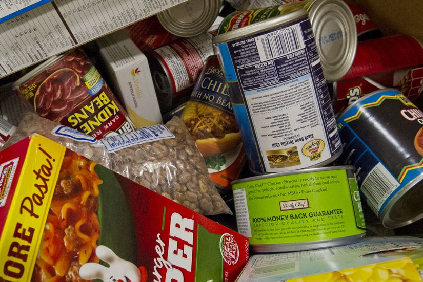 stfrancis-loaves-fishes-food-drive