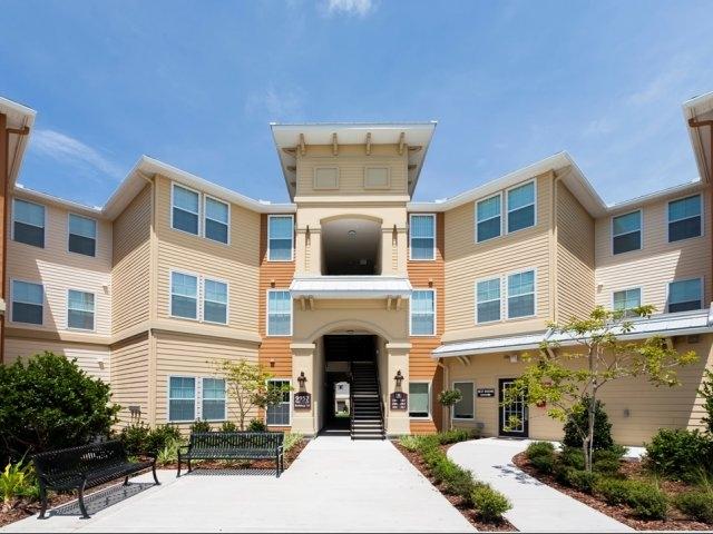 Nice-Seffner-Florida-Apartments.jpg