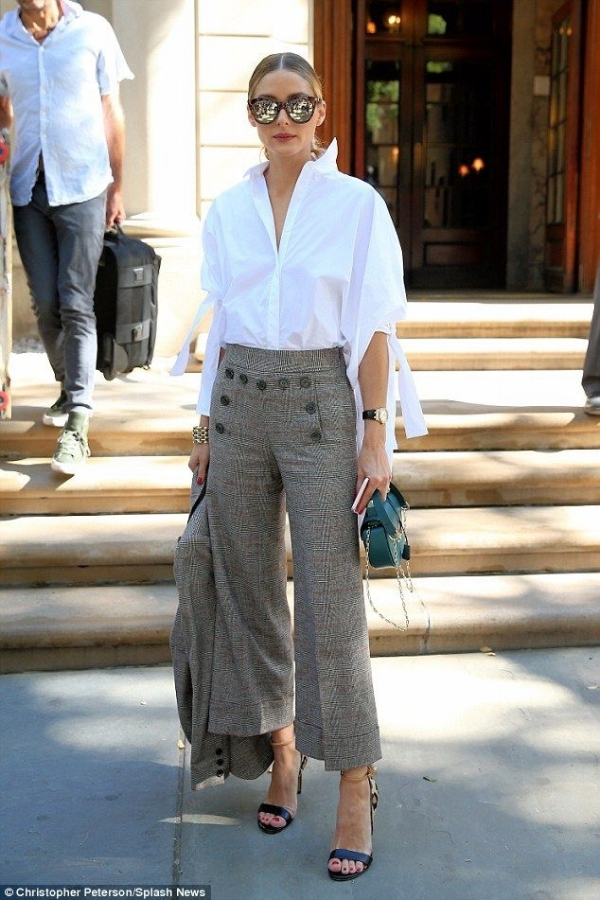 Olivia Palermo is the Queen of classic with a high fashion twist. She plays with proportion, colour, texture, print and trends with classic shapes. If you want to see more of her great looks, click  here .