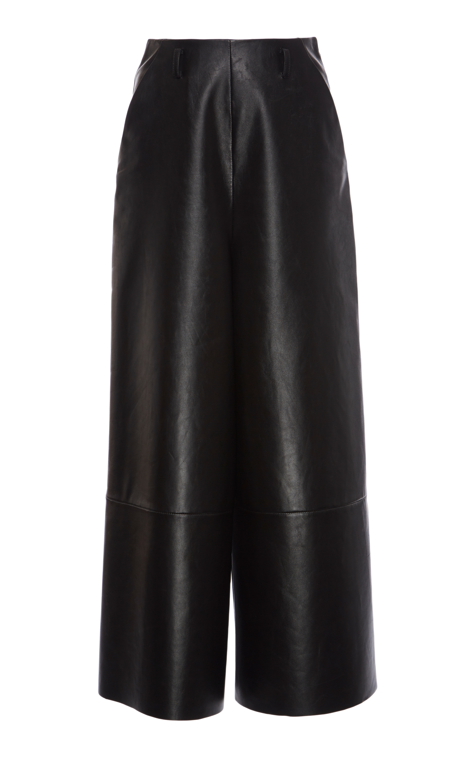 How cool are these Lanvin leather culottes. All the sex appeal without the typical skin-tight fit.Perfectly cropped they work with ankle boots, mules and sneakers alike.