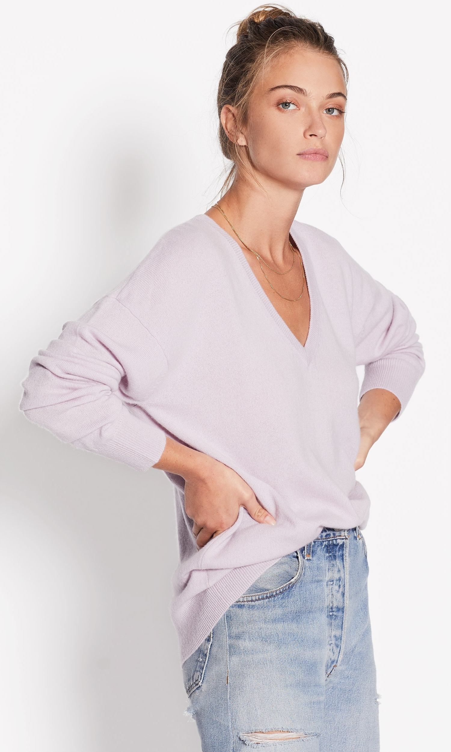 Equipment Lucinda Cashmere V-Neck in $278 USD - In violet (A BIG TREND THIS SEASON), this sumptuous sweater has just the right touch of girly mixed with a masculine oversized shape.