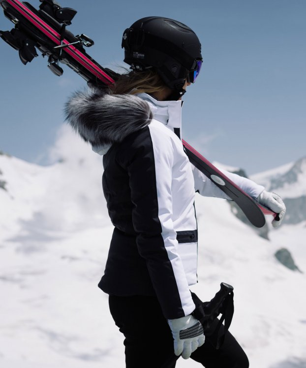 Kjus Women Nuna Jacket£719 - Streamlined and incredibly elegant, this jacket and pant combo is the creme de la creme of skiwear. Where high performance meets high style.Ladies Formula PantsWas £409 Now £325These stretchy,tailored and waterproof pants not only keep your legs warm, but also feature tear resistant fabric on the lower part to shield against tears and injuries.Developed by an Olympic Ski Champion from Norway you can have faith that your money is well invested.