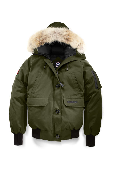 Canada GooseChilliwack Bomber - Inspired by the post-war bush pilots in Northern Canada, this iconic jacket is one of the most popular styles from Canada Goose being functional and cool. Cut close to the body and cropped short at the waist, it shows of those great legs that have been getting a serious workout all day.
