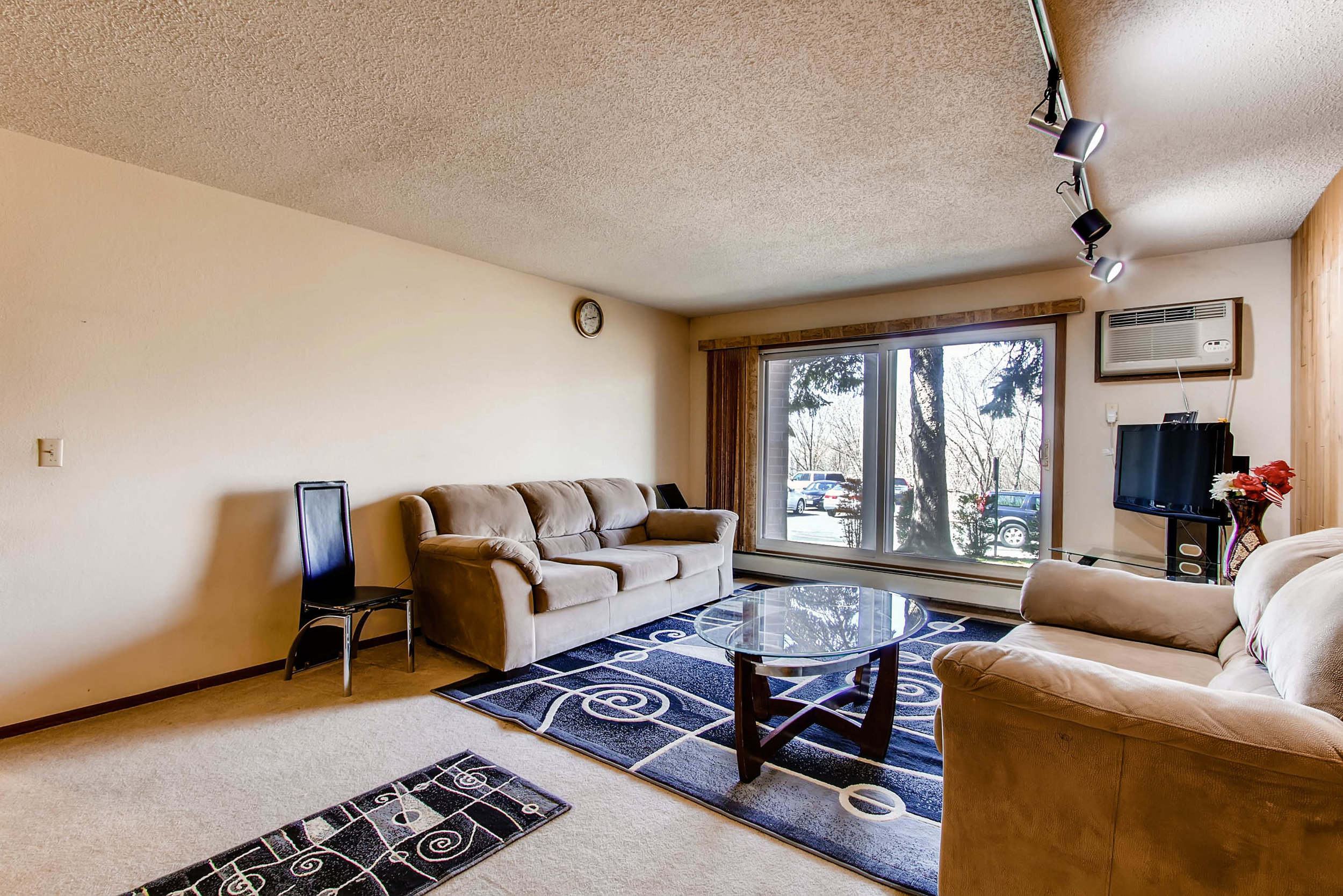 1700 Four Oaks Road 143 Eagan-print-007-17-Living Room-2700x1800-300dpi.jpg