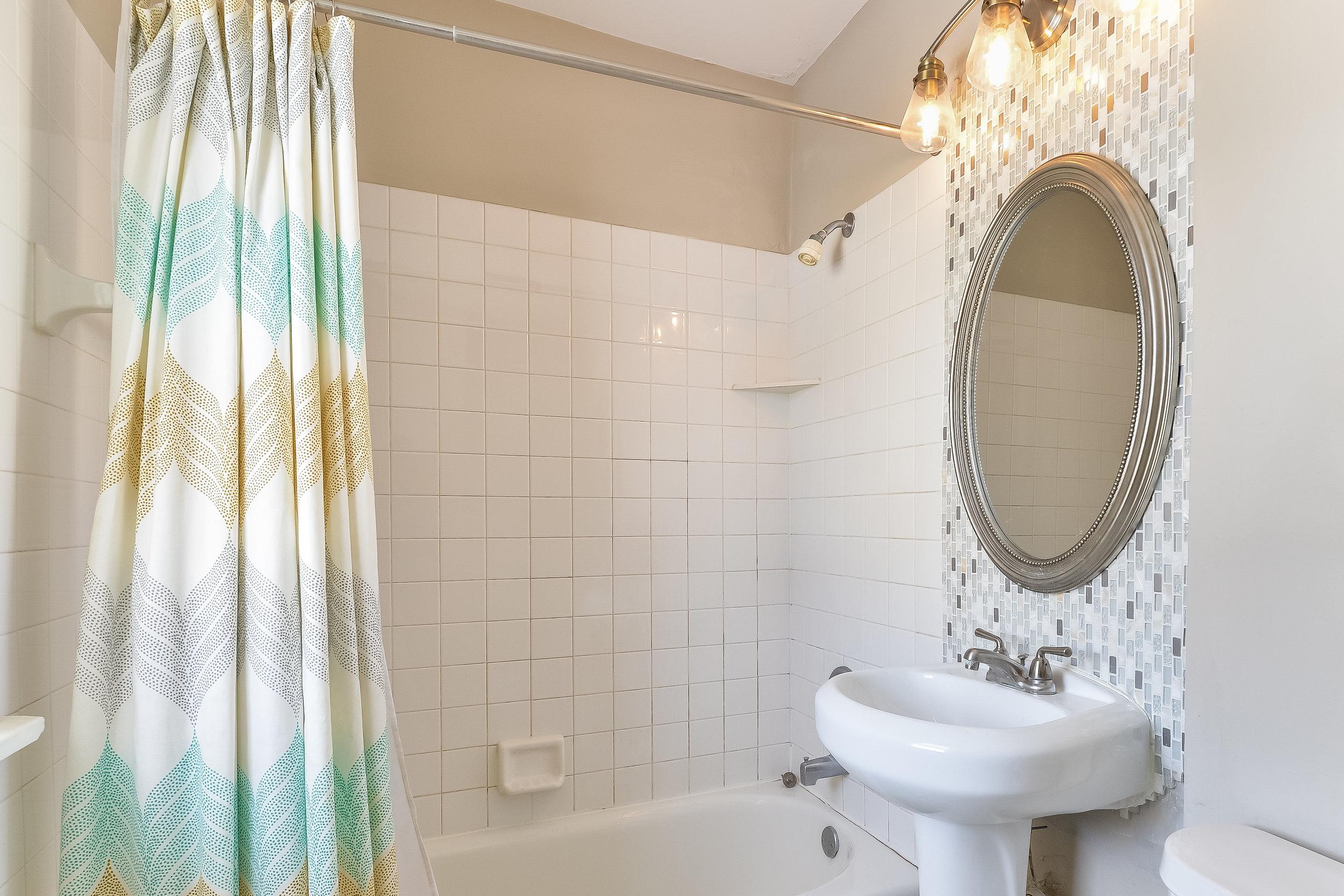 020-Bathroom-5454049-large.jpg