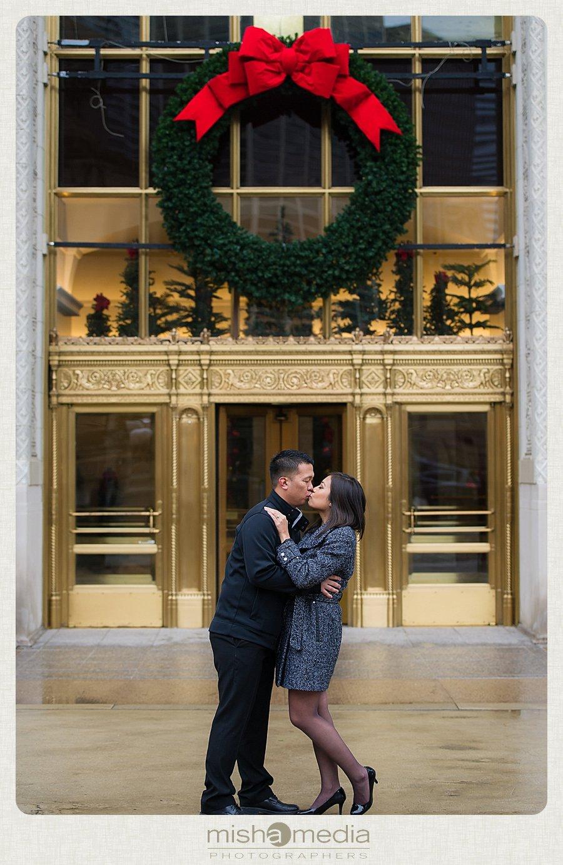 Engagement-Session-at-Chicago-Riverwalk_0001.jpg