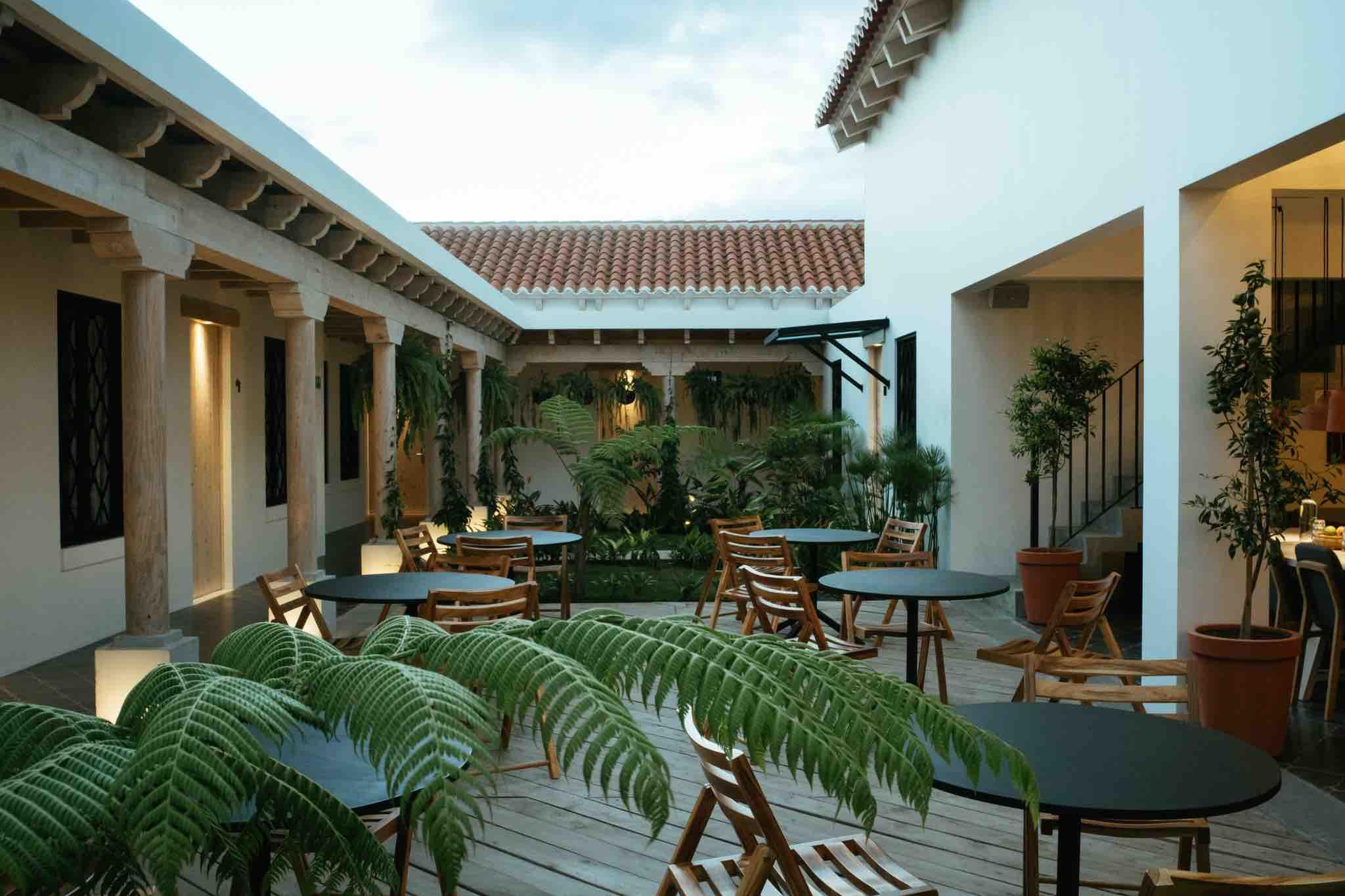 Patio Overview Good Hotel Antigua