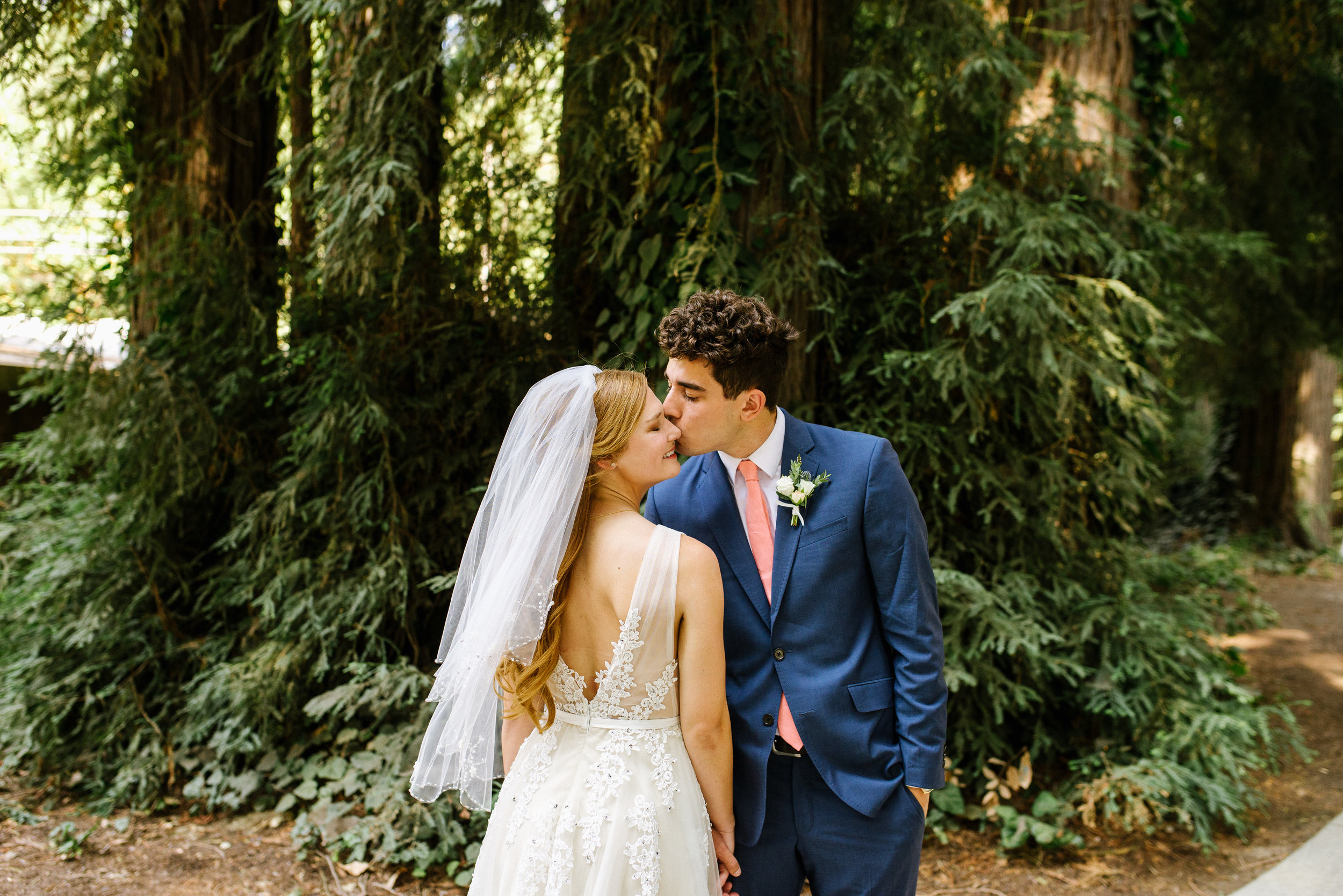 amphitheater-of-the-redwoods-wedding-erikariley-chelsea-dier-photography