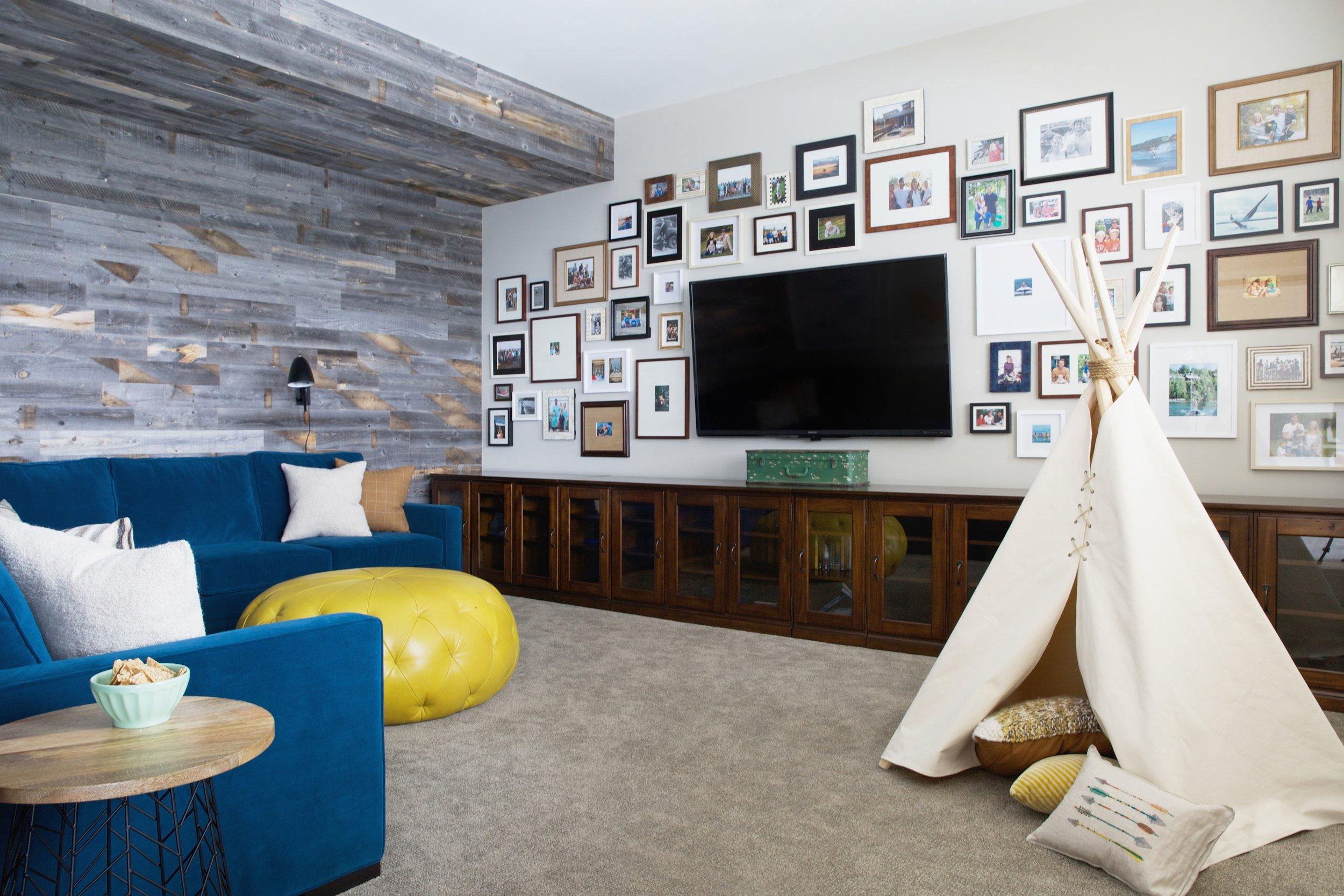 Sylvan Lake Cottage, Media Room, Nyla Free Designs Inc.