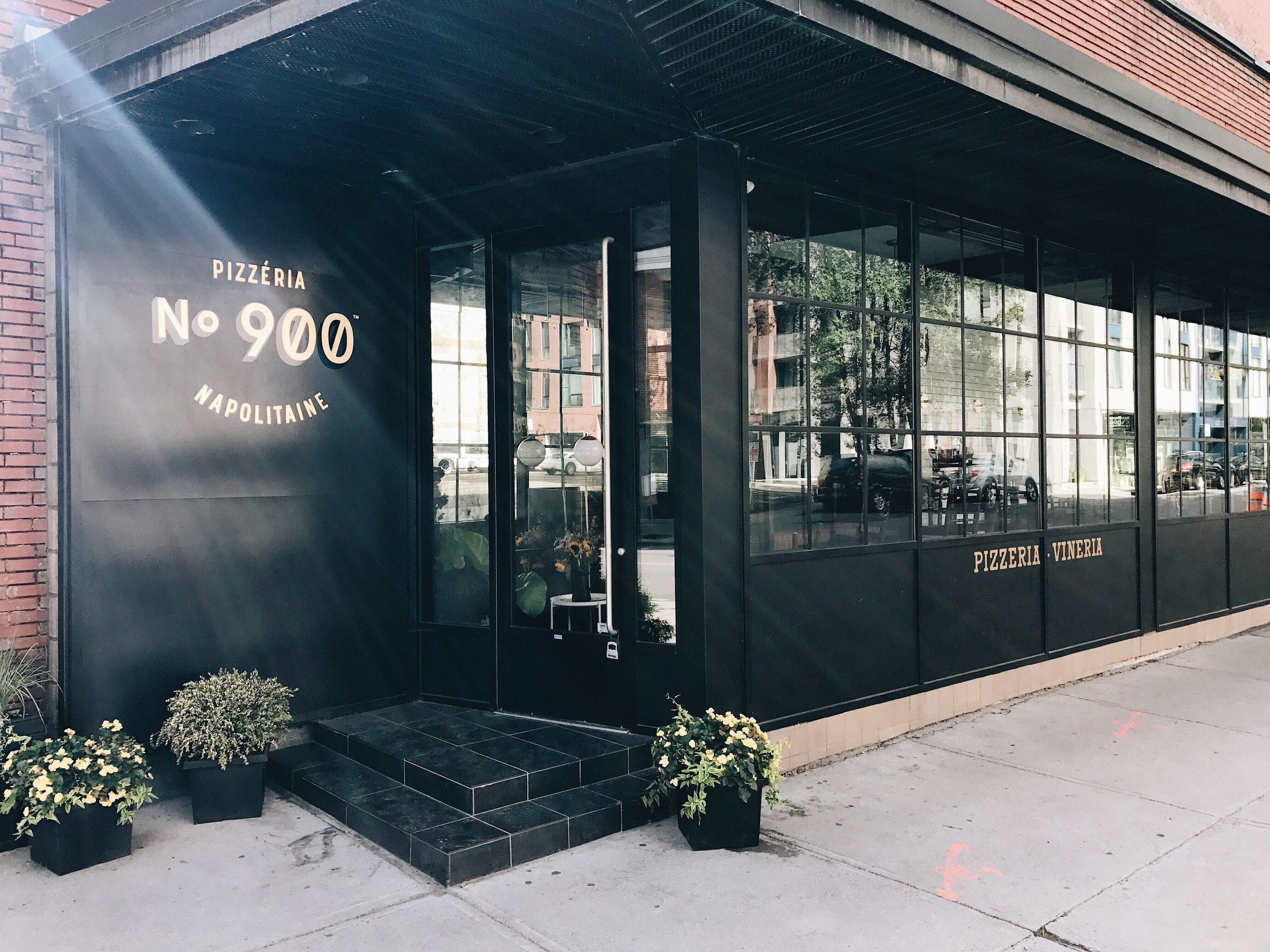 900 Pizzeria, Nyla Free Designs Travels Montreal, Weekend Guide, Travel Tips, Canada, Calgary Interior Designer