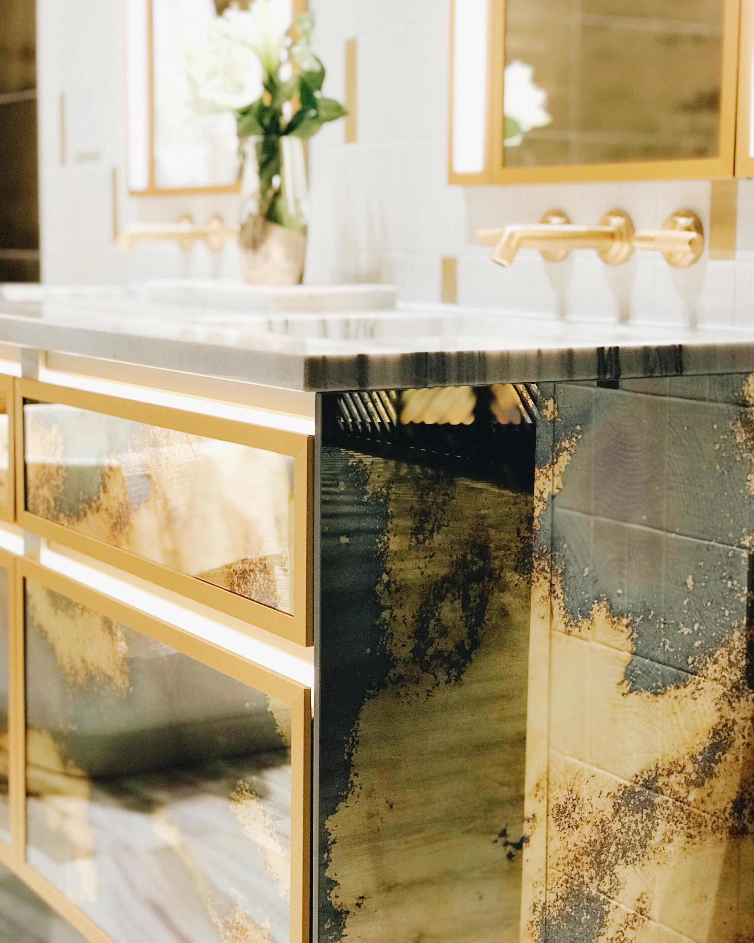 Robern Antique Mirrored Vanity, KBIS 2018, BlogTour, Nyla Free Designs, Calgary Interior Designer, #designhounds