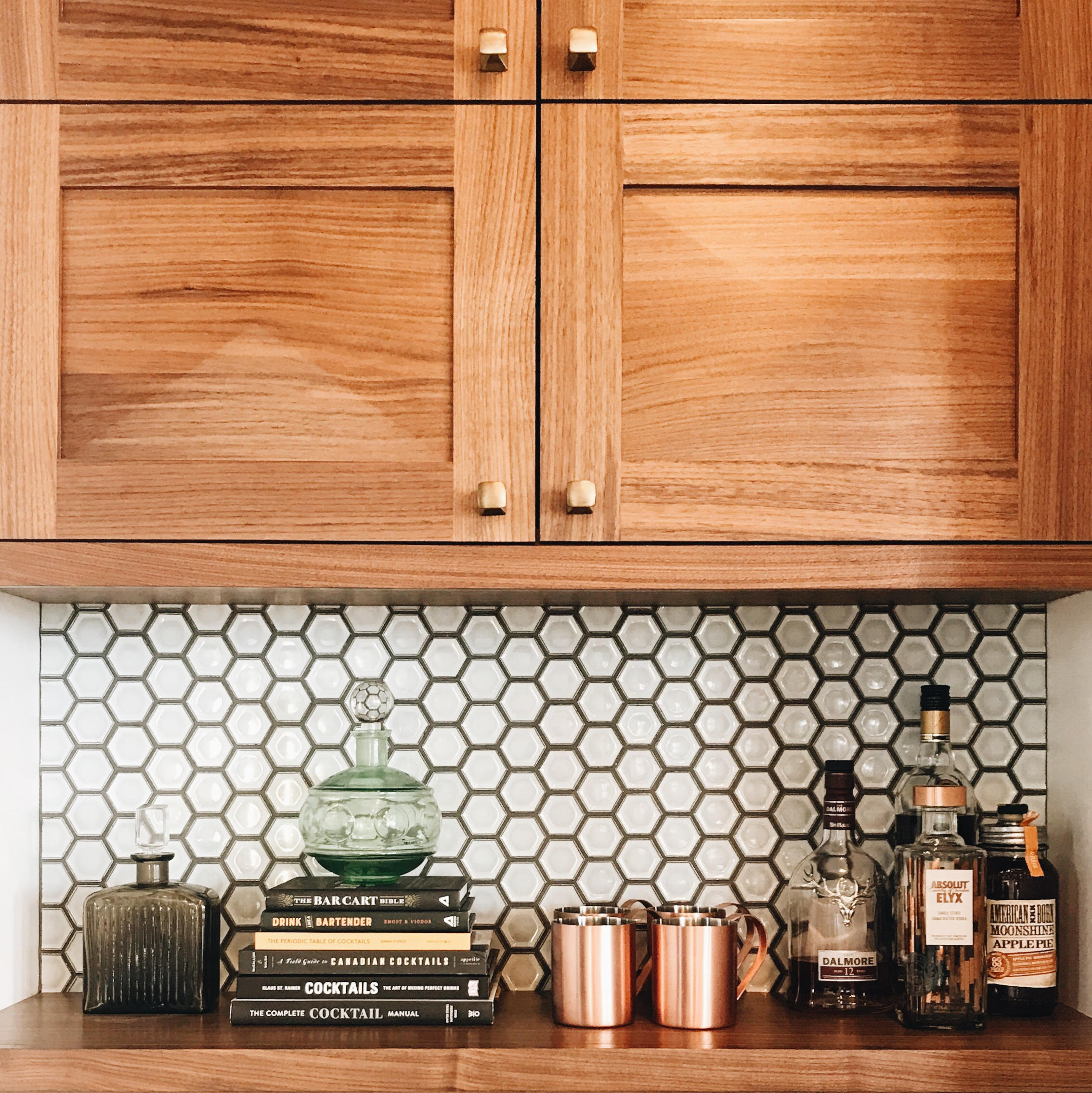 If you look really close, you might notice that even the knobs have a faceted detail to them!