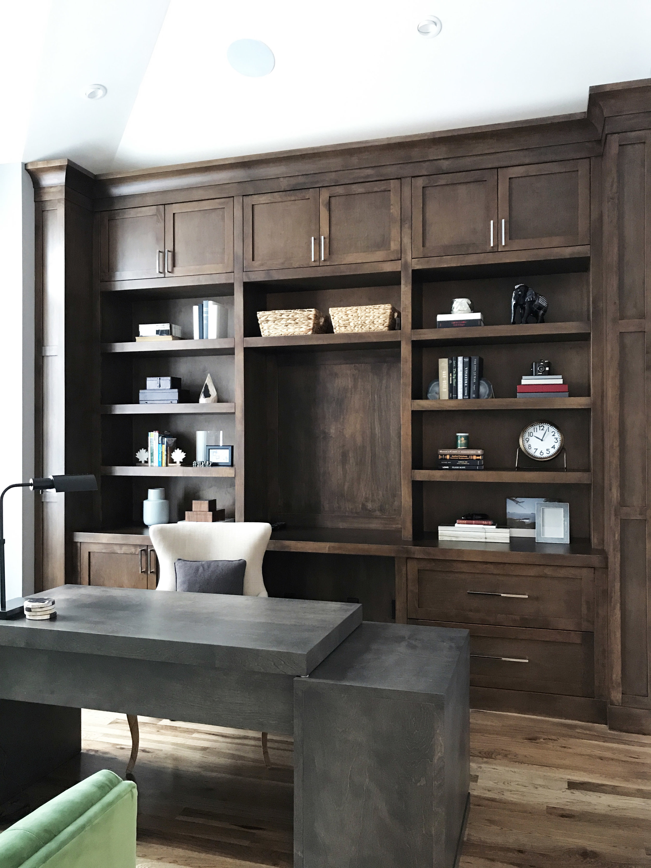 Nyla Free Designs, Varsity estates, Top office design details.