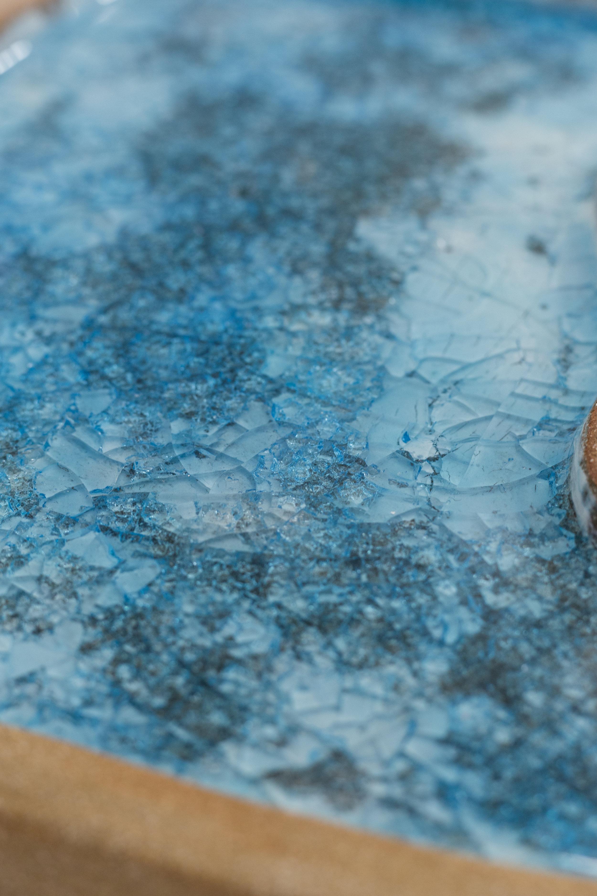 Donatella Berardi, Kitty Pool (detail), 2017, stoneware with glaze and glass, 30 x 38.5 x 3 cm Photo: Kilian Bannwart