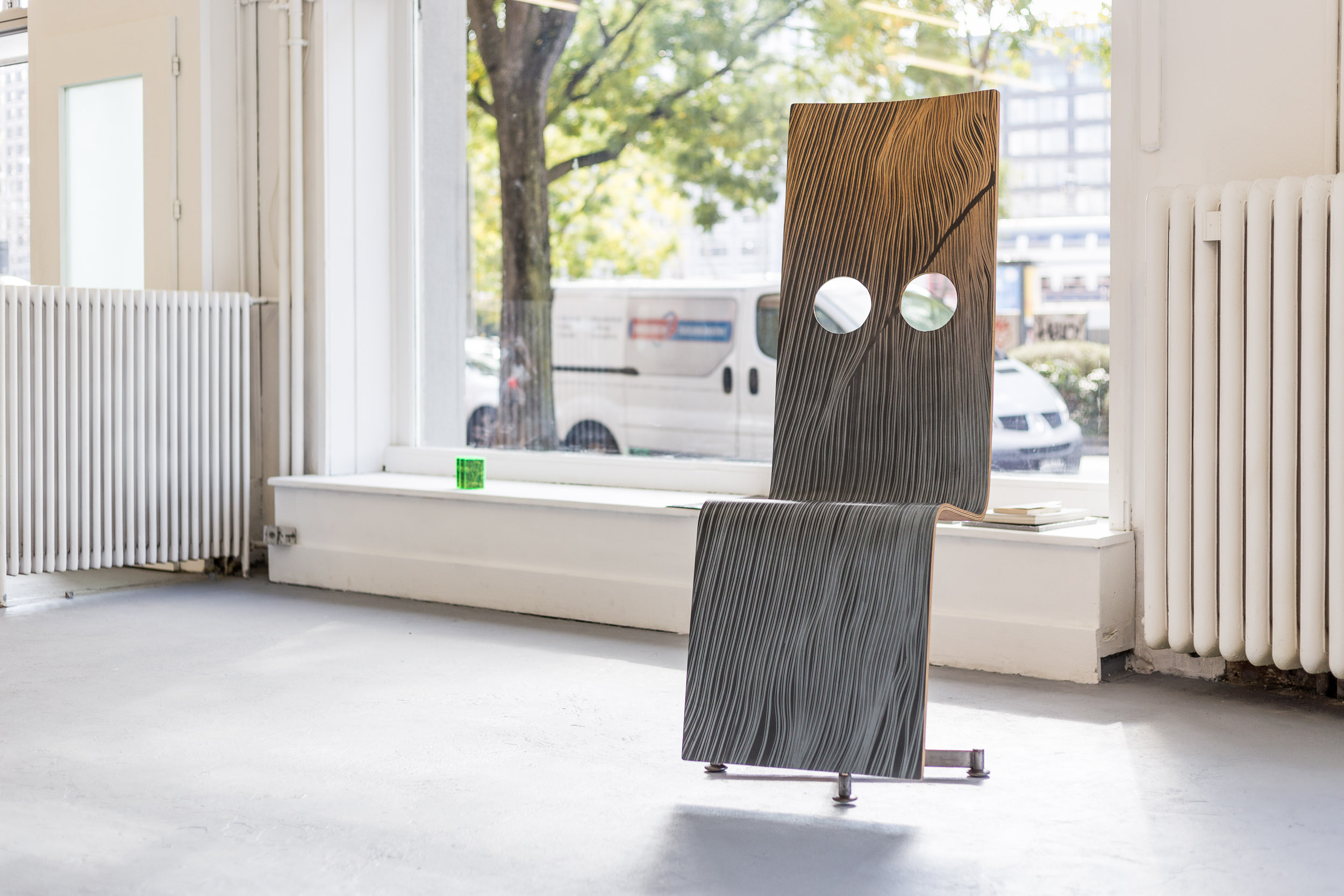 Fiona Banner,  Pinstripe Chair , 2015, graphite, vinyl, plywood, chair base, 148 x 52 x 50 cm  Photo: Kilian Bannwart