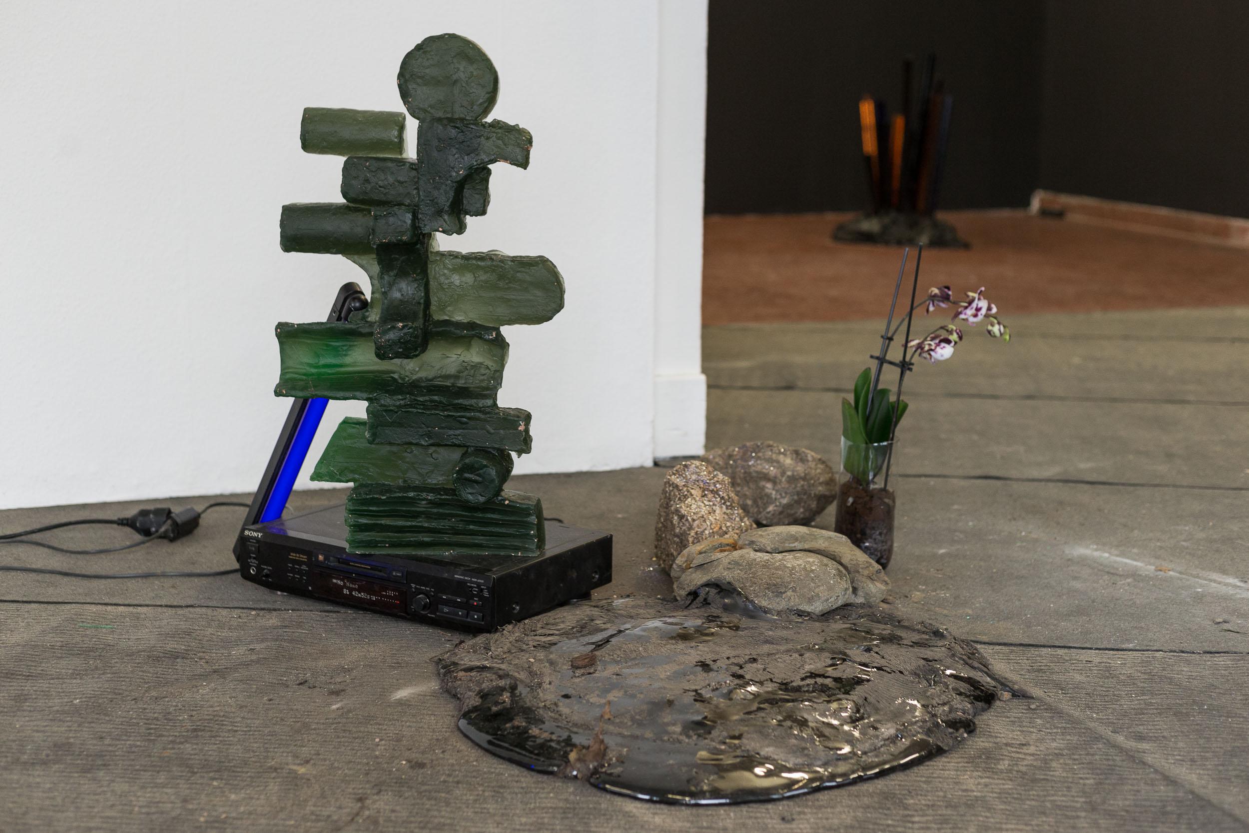 Matyas Chochola,    No Name   ,   2017  ,   Glass, 75 × 45 × 11 cm   Photo: Kilian Bannwart