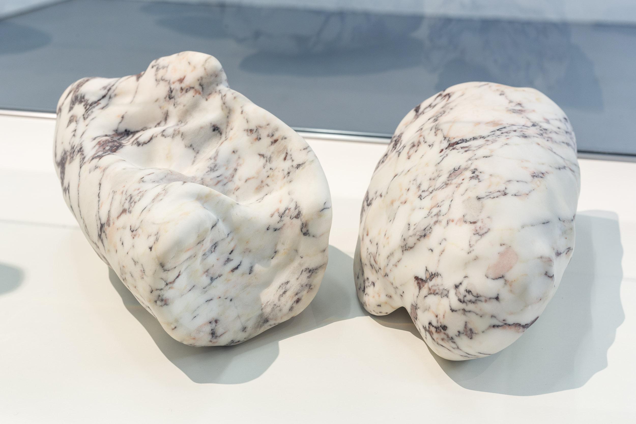Mélodie Mousset,  Organs (detail), 2015, Marble, Stone, Bronze in Vetrine, dimension variable  Photo: Kilian Bannwart