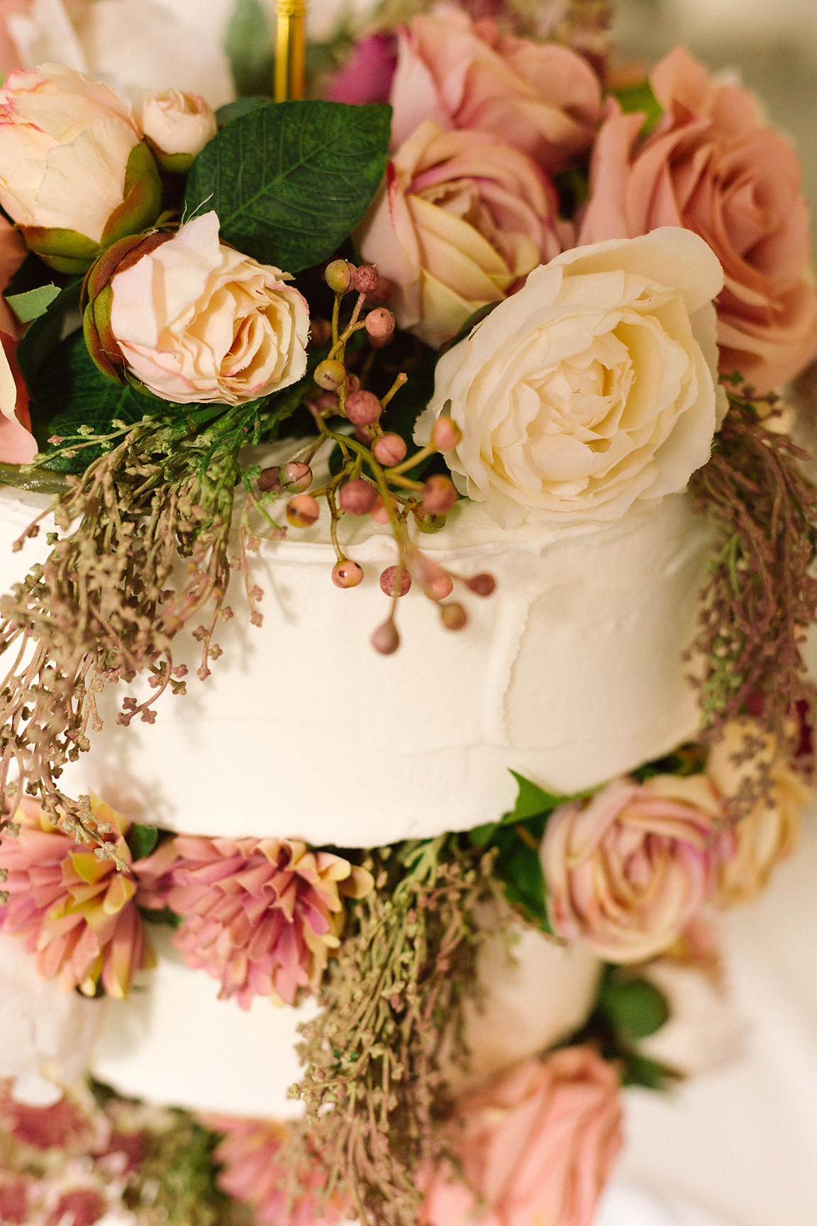 Cake by The Sweet Society Co. Photography by Poppy & Sage Photography.
