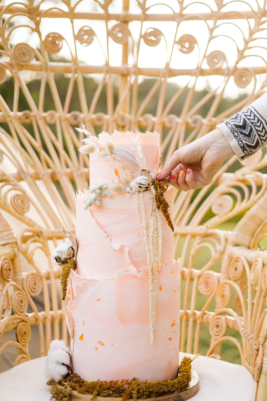 Cake by Cake House. Photography by Poppy & Sage Photography.