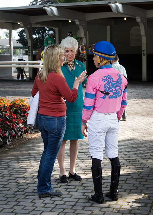 Linda and Vivien with Irad Ortiz, Jr. before the race