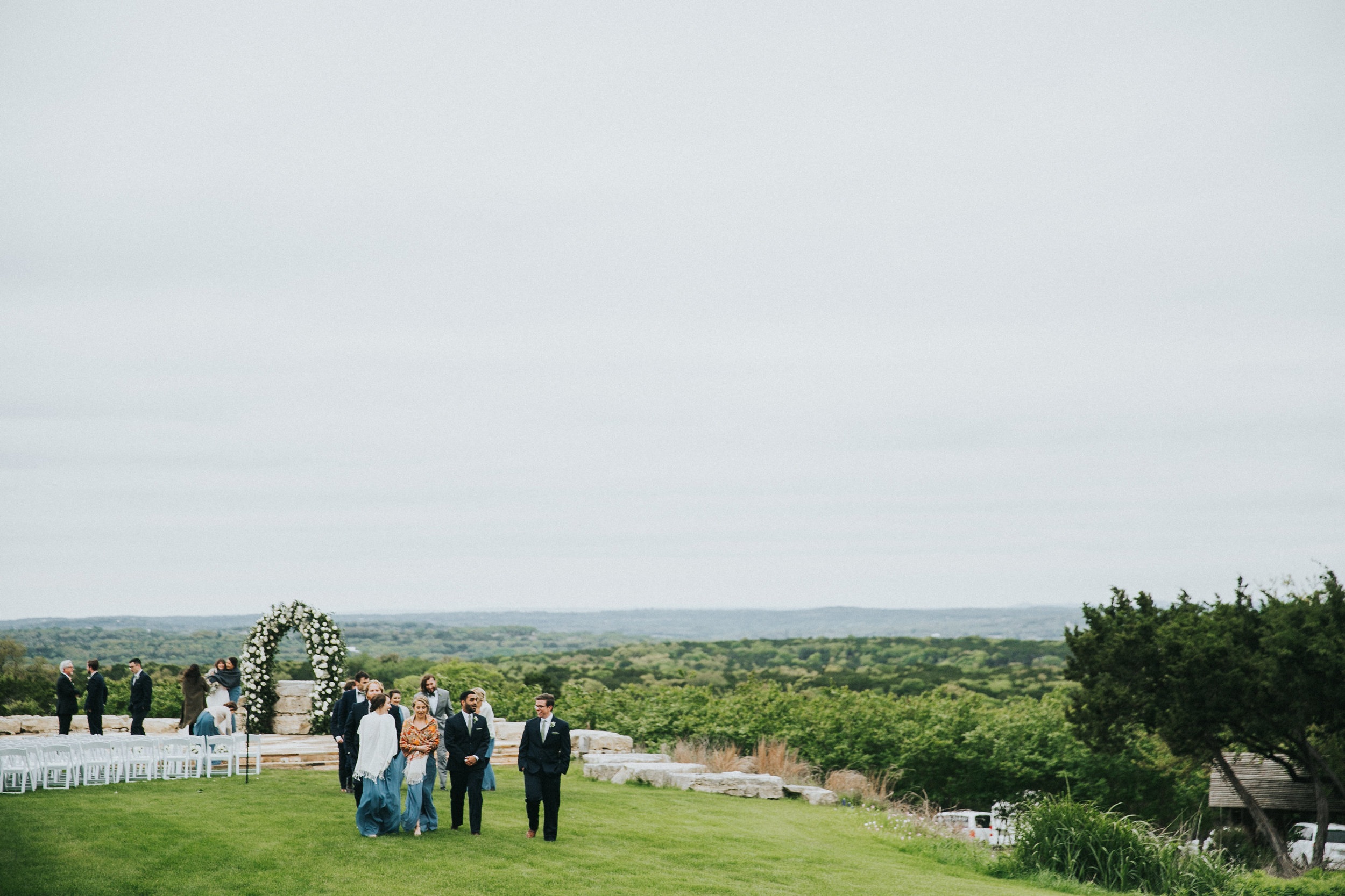 The B  ella Vista ceremony site overlooks the vast and breathtaking Texas hill country.