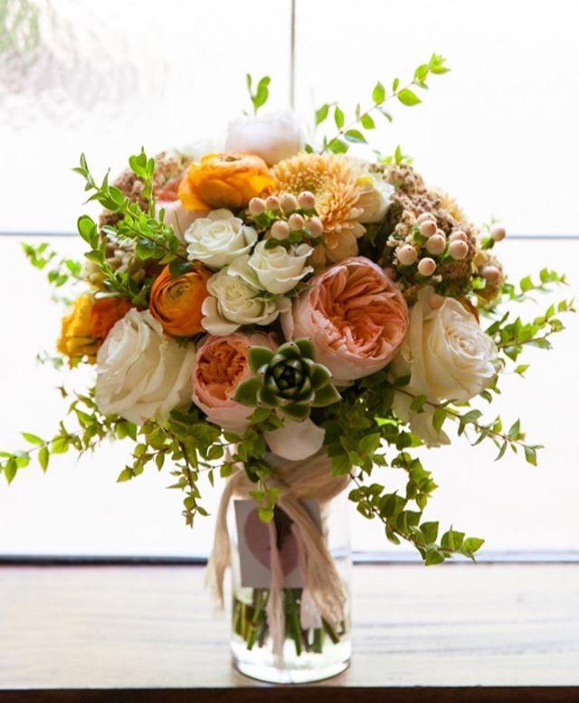 Loving the shades in this recent bridal bouquet!  @marycyrusphotography  #bridalbouquet #mckinneyweddingflorist #textureinbouquets