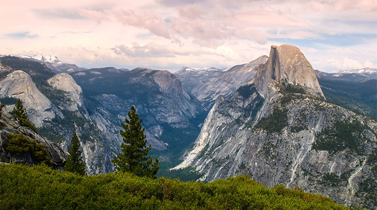 Glacier Point, Yosemite National Park. Great place to take a presidential first date.