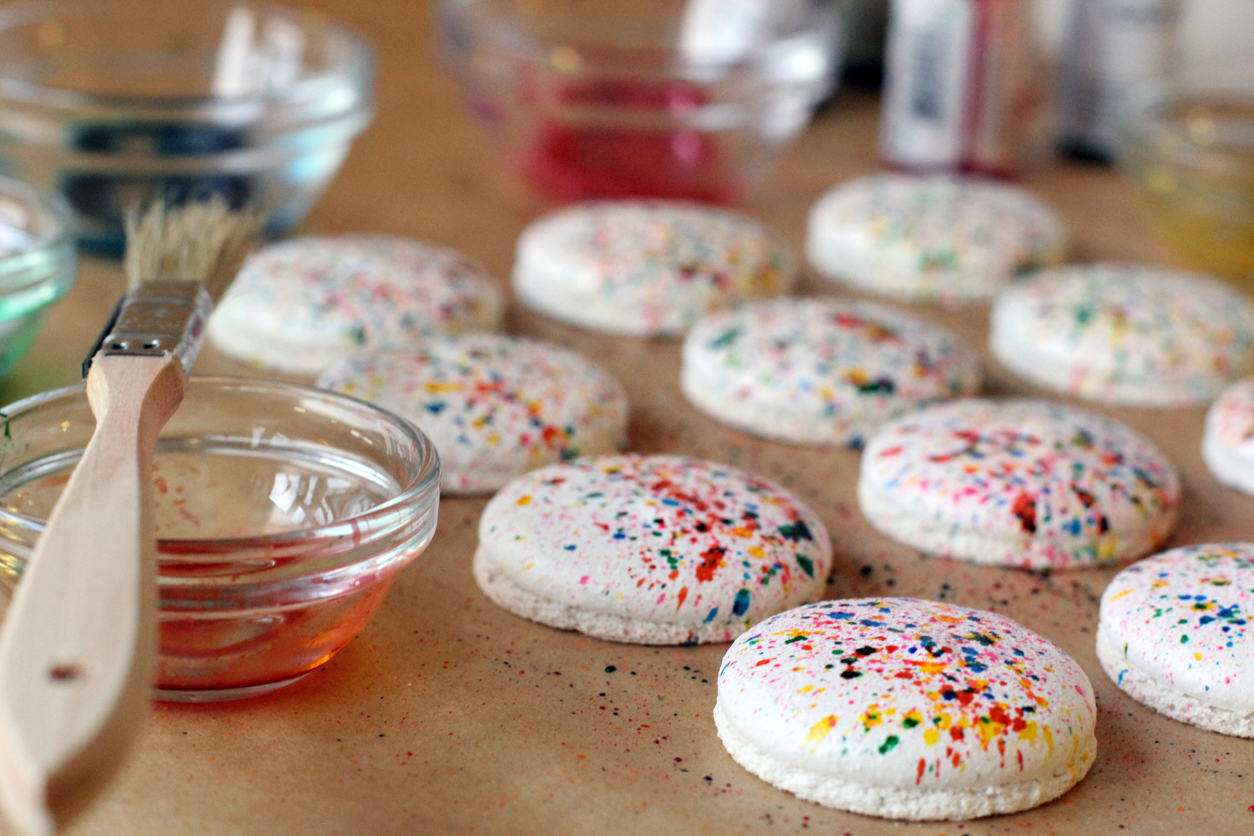 How to Make the Evocative Paint Splatter French Macaron ...