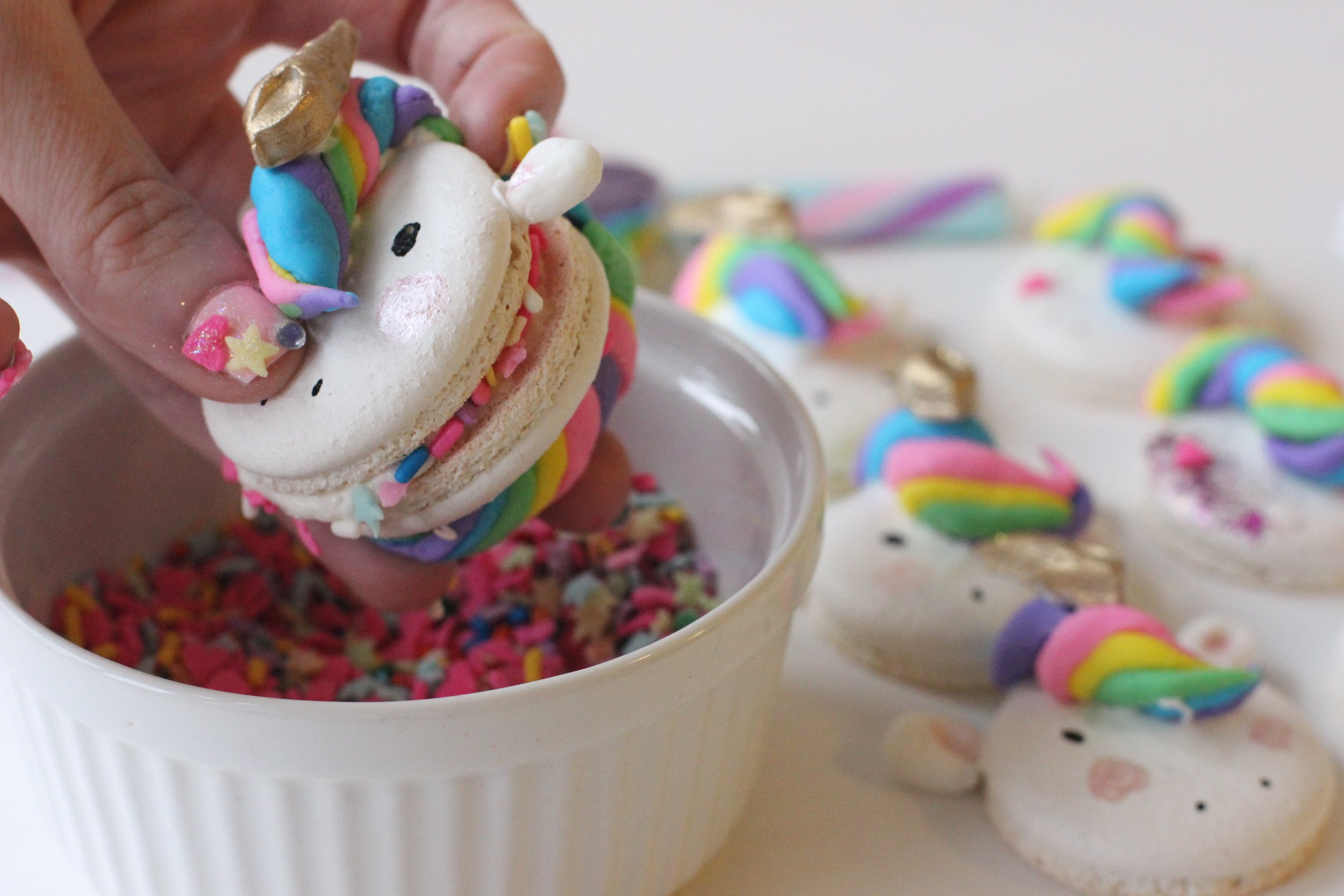 Food Network Facebook Video on how to create the Unicorn Macaron