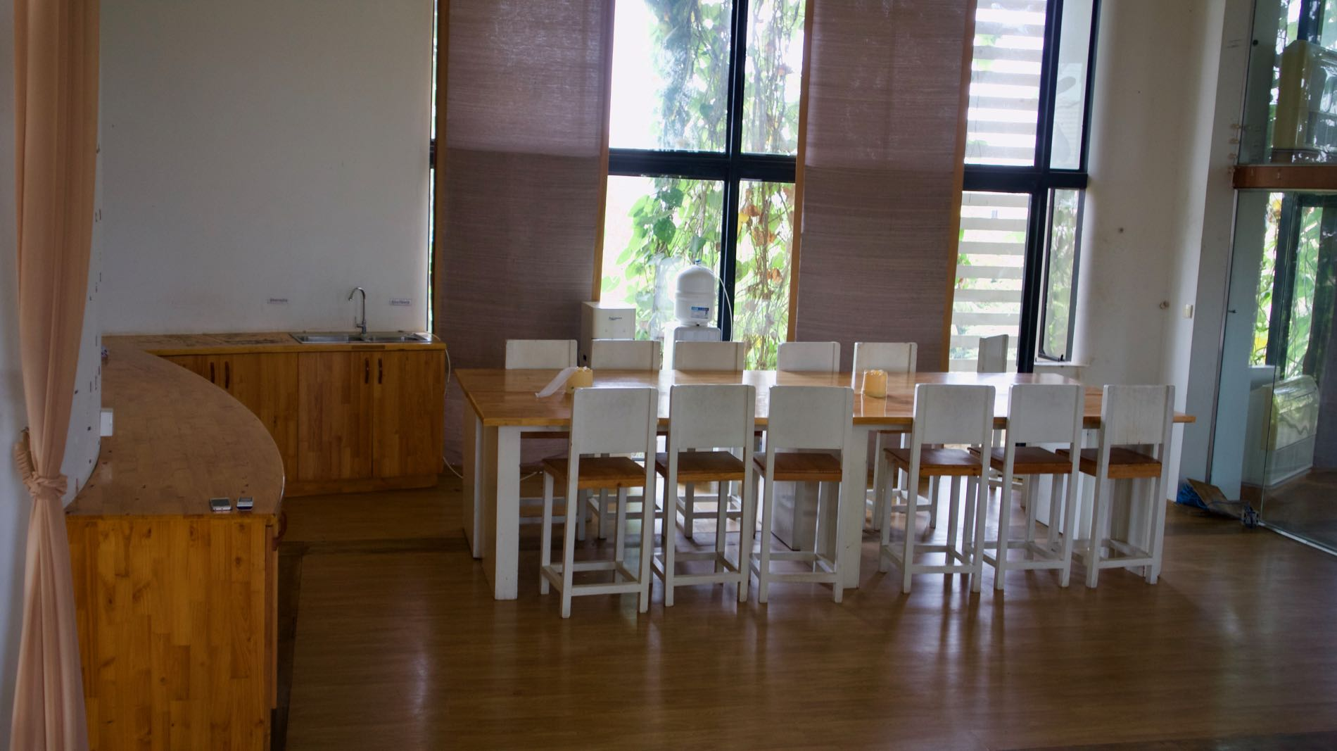 lunch-table-office-floow-phnom-penh-chory-changvar.jpg