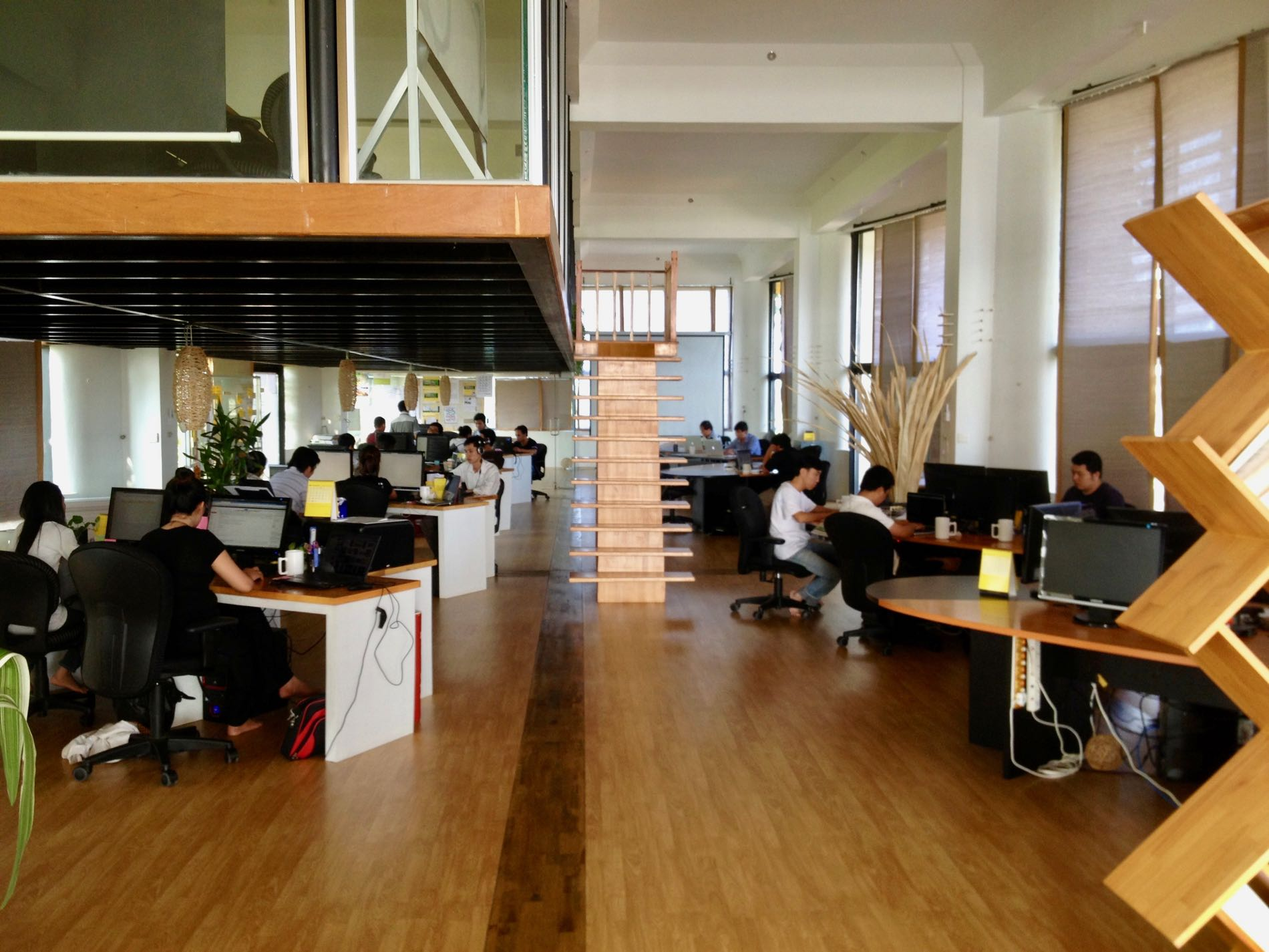 open-office-plan-phnom-penh-yellow-tower.jpg