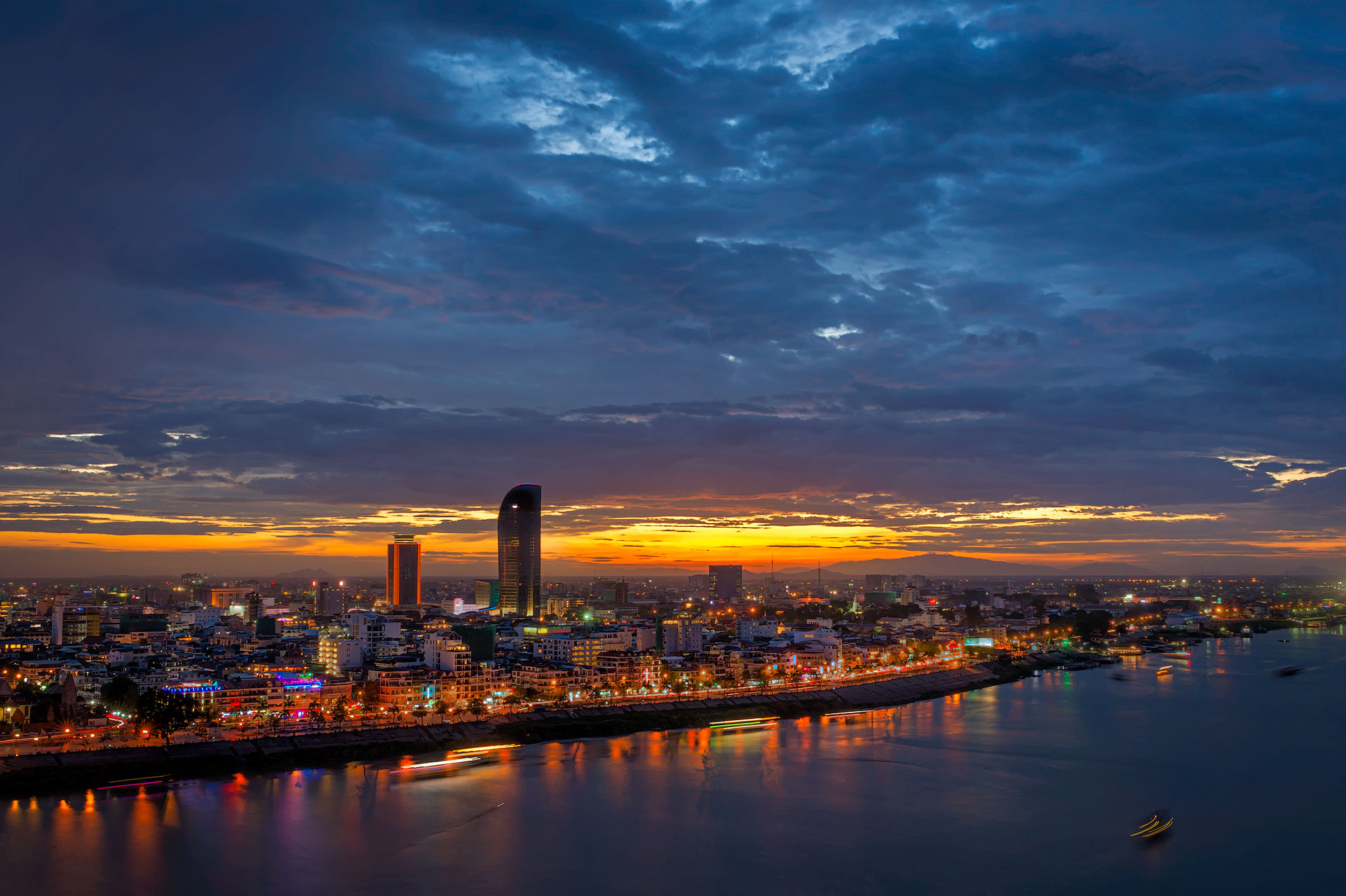 sunset-phnom-penh-1.jpg