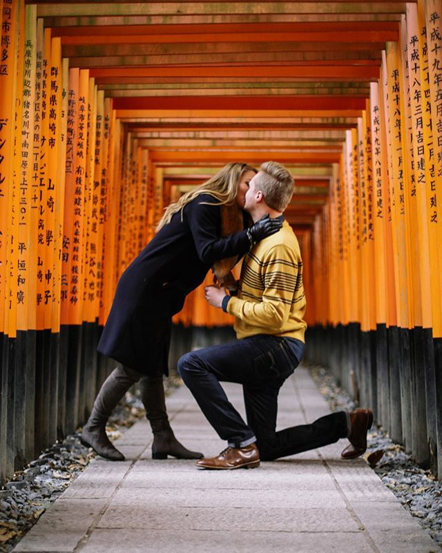 Flash back to the days where you could propose to your special person at Fushimi Inari Taisha without at least 50 other tourists in the background 🤷🏻‍♀️ • . • . • . • . • . #travelphotographer #vacationphotographer #portraitphotographer #moodyports #canonportraits #canonphotographer @canonaustralia #engagementphotography #solofemaletraveler #familytravelphotographer #elopementphotographyjapan #elopementphotographymelbourne #japanvacationphotographer #portrait_society #portraits_life #japan #伏見稲荷神社 #京都 #写真撮影 @eos_canonjp @canonusa