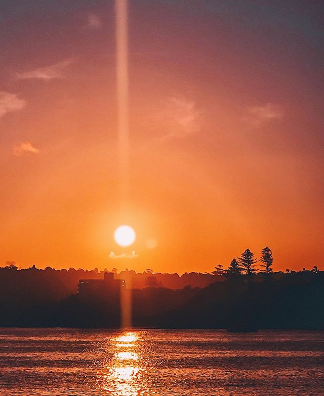 Less worries, more sunsets ❤️⁣ ⁣ 𝐃𝐨 𝐲𝐨𝐮 𝐚𝐠𝐫𝐞𝐞? 😊🙏🏻☀️🌏⁣ ⁣ ⁣ ⁣ ⁣⁣⁣ ⁣ #sunset #sunsetofinstagram #redsunset #sydneysunset #sunsetskyline #manlyferryview #oceansunset #sunreflection #natgeosunset #instasunset #awildmind #viaggiatrice #exploreaustralia #siviaggiare #mangiaviviviaggia #globetrotter #wearetravelgirls #travelgirlshub #womenwhotravel⁣⁣⁣⁣⁣⁣⁣⁣⁣⁣⁣⁣⁣⁣⁣⁣⁣⁣⁣⁣⁣⁣⁣⁣⁣ #sheisnotlost #instatravel⁣⁣⁣⁣⁣⁣⁣⁣⁣⁣⁣⁣⁣⁣⁣⁣⁣⁣⁣⁣⁣⁣⁣⁣⁣ #travelette #damestravel #dametraveler #travelbug #traveladdict #travellife⁣⁣⁣⁣⁣⁣⁣⁣⁣⁣⁣⁣⁣⁣⁣⁣⁣⁣⁣⁣⁣⁣⁣⁣