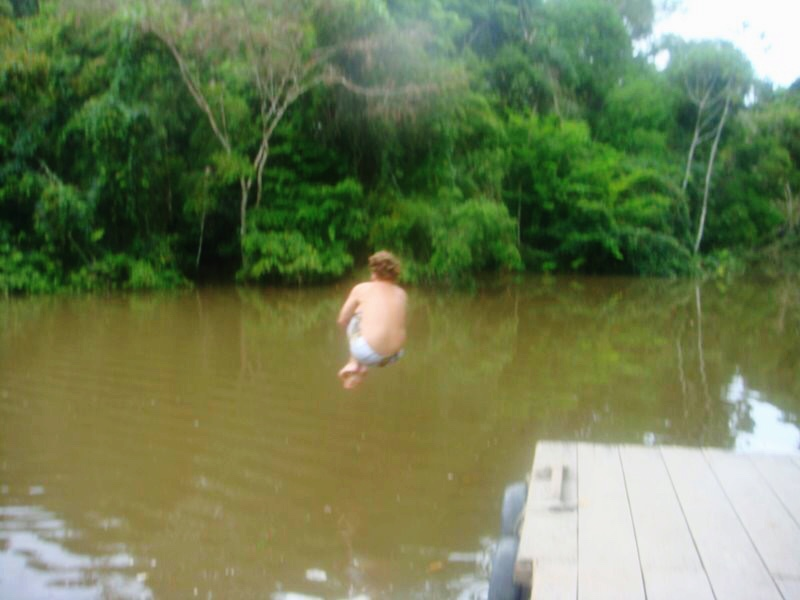 Pulando no mesmo rio em que pesquei piranha mais cedo? Talvez