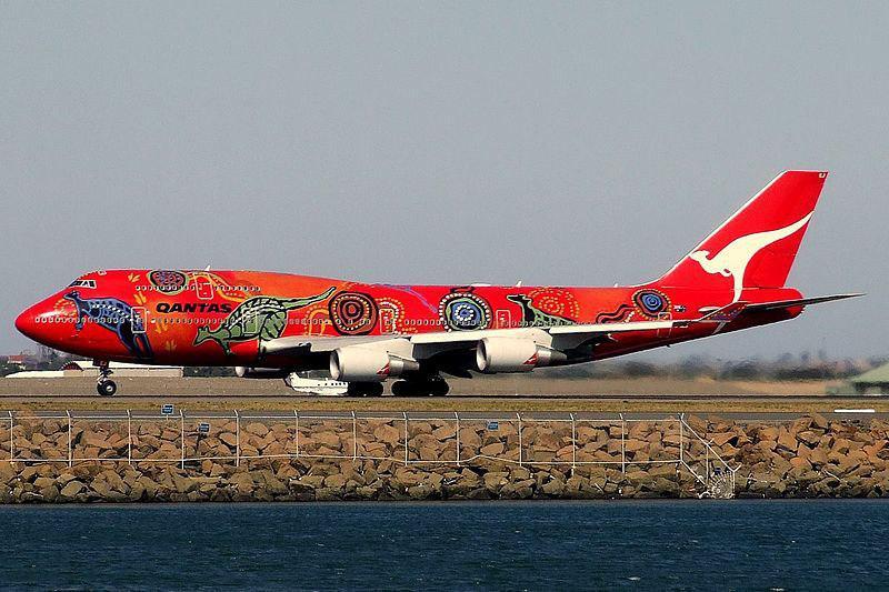 A australiana Qantas pintou seu Boeing 747-400ER com vários cangurus