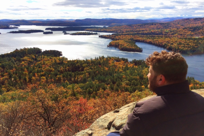 Wow. Vista para os lagos no topo da Rattlesnake Mountain, em New Hampshire