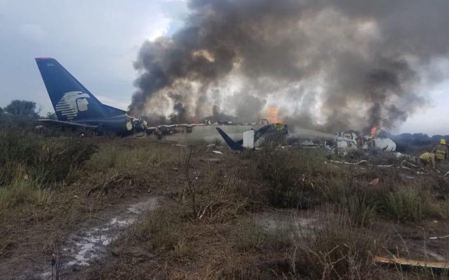 O Voo AM2431 da Aeroméxico sofreu um acidente sem vítimas em Durango, México, logo após a decolagem (Fonte: @ENEL_AIRE/TWITTER)