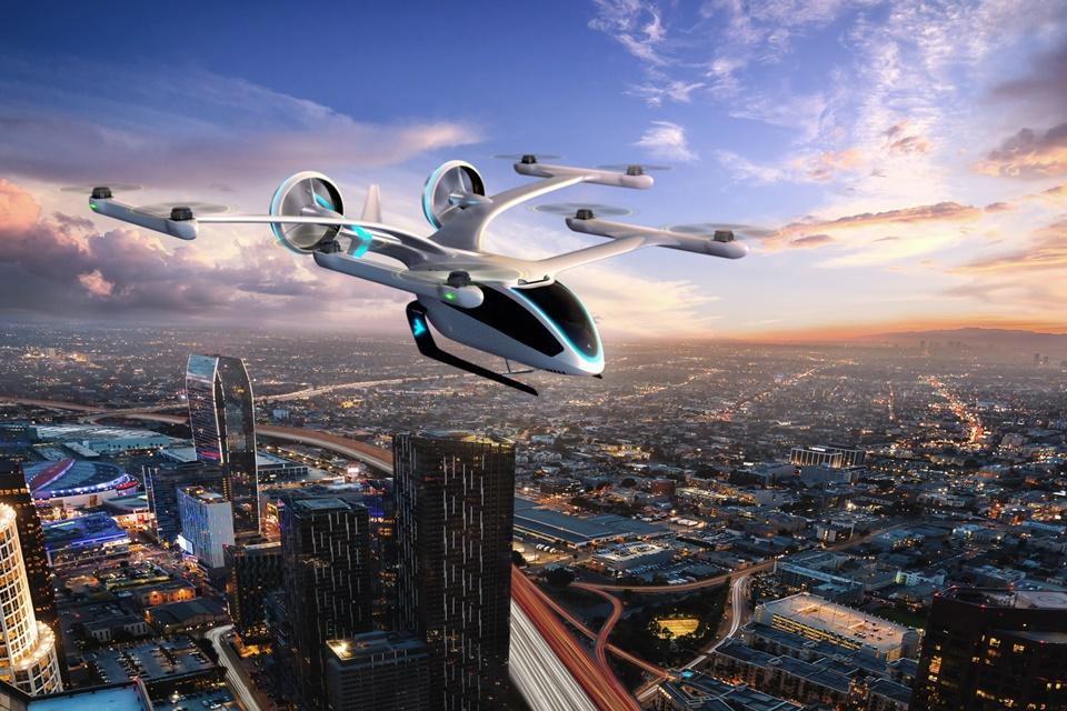 O eVTOL que a EmbraerX está planejando é equipado com oito rotores, que permitem decolagens e pousos na vertical, além de gerar níveis baixos de ruídos