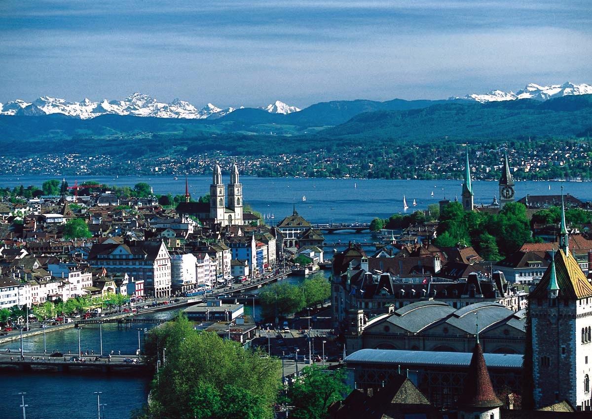 Zurique não é a capital, como muitos pensam, mas é a maior cidade da Suíça