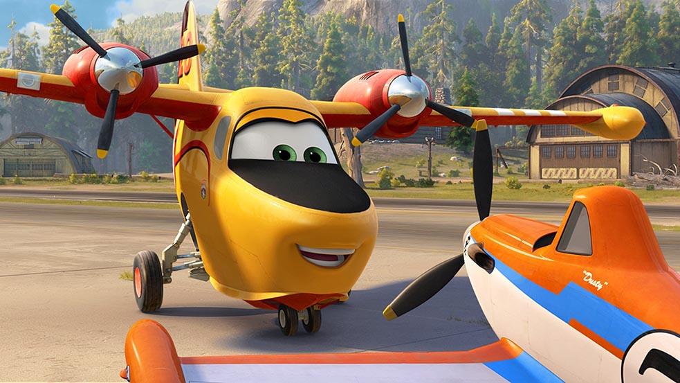 Uma panicada dublando um avião? Coisas de Tatá…