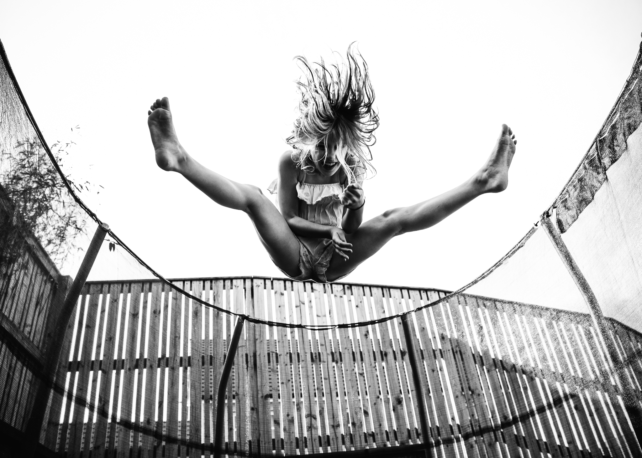 aberdeen children's photographer trampolining