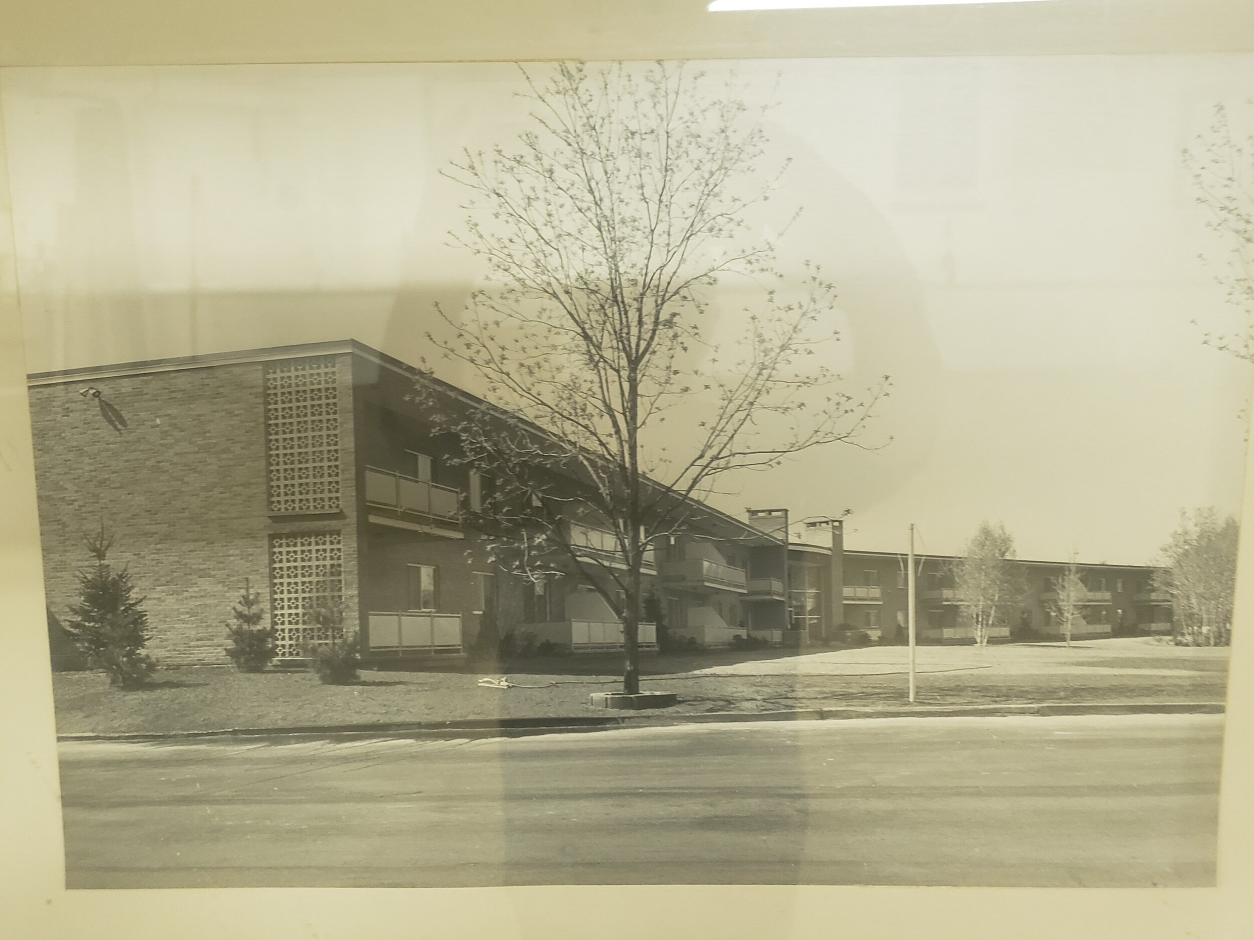 Royal Ridge LuxuryApartment Complex - Circa 1965