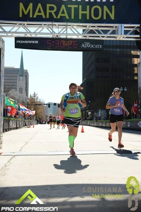 Edie Perez running in the Louisiana Marathon 2016