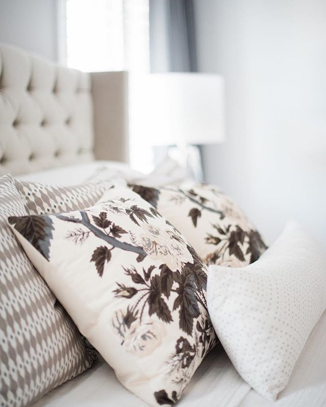 The Pyne Hollyhock Charcoal is one of my absolute favorite pillows for beds.  The fabric is a beautiful silky cotton and while it's a floral pattern, it doesn't feel overly feminine since the colors are neutral. // home of: @Krystinn_Lee //#AriannaBellepillows #bedroomdecor #bedroomdesign #bedroominspiration