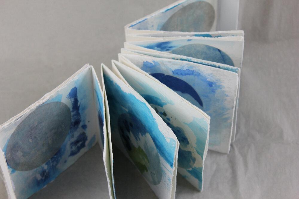 Leah+Beggs++-+Square+Circles+2+-+Artist+Book+-+11.2+x+11.2+x+2.5cm.jpg