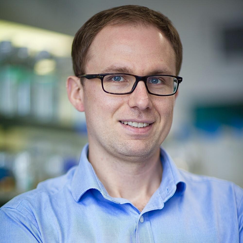 Dr. Wojciech Galej - EMBL GrenobleSplit genes and fast electrons