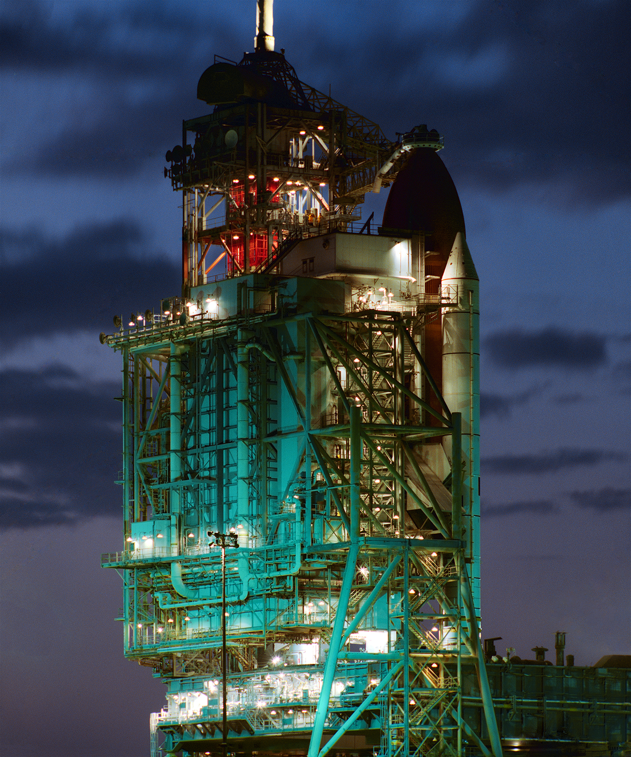 Challenger, Closed Service Structure Launch Complex 39A, 1984