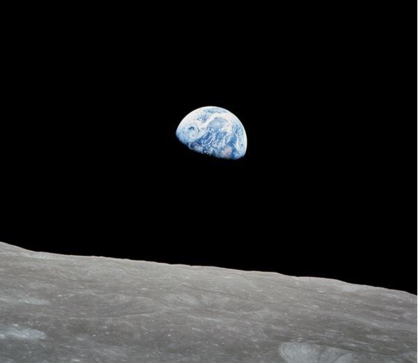 Earthrise_Apollo 8.jpg