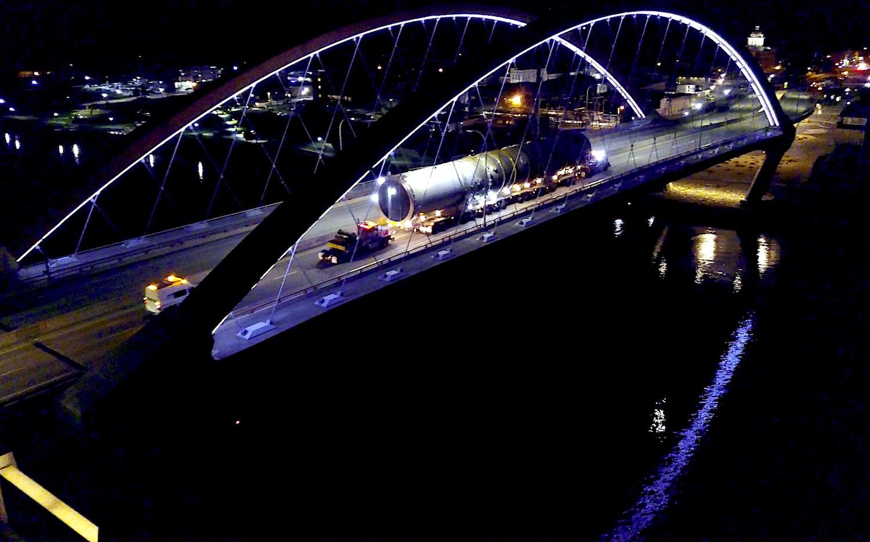 663-000 Hastings Bridge.jpg